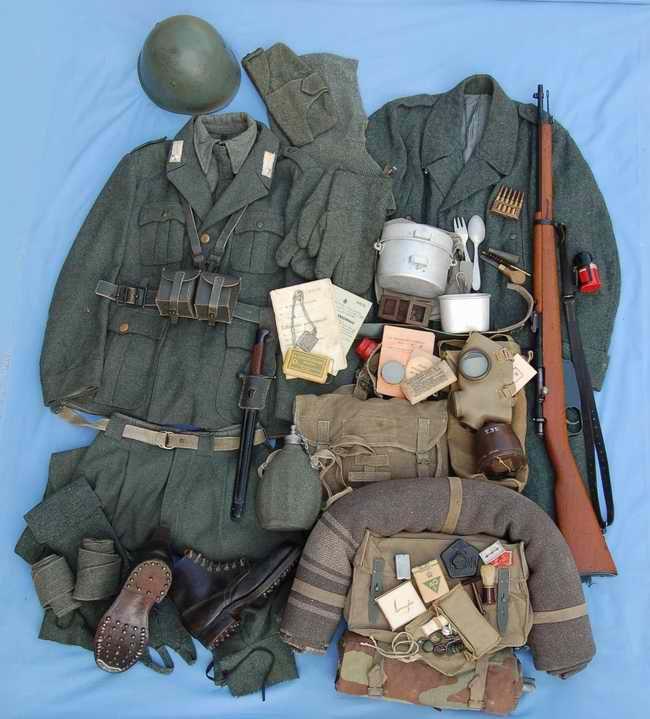 Standard infantryman's grey-green field uniform and equipment load-out, Regio Esercito, Second World War.