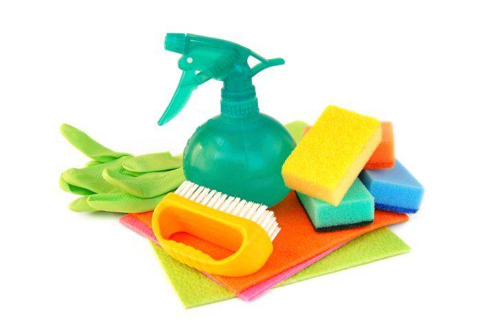 Ecco la guida per realizzare da soli i prodotti indispensabili alla pulizia della vostra casa.