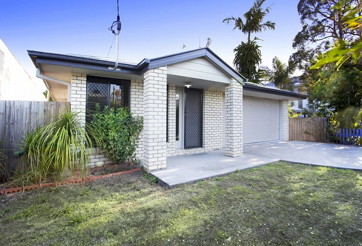 BULIMBA 55 Carbeen Street... Located in the highly sought-after suburb of Bulimba, this well constructed, low set brick home is sure to fulfil the needs of both young families and mature couples seeking a low maintenance home set across a single, generous level of living.