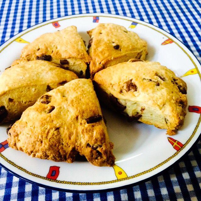 お手軽朝ごはん or お手軽おやつ ホットケーキミックスで作るチョコチップスコーン