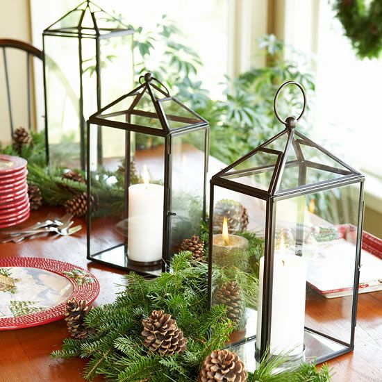 Pull together a top-notch Christmas table display with our easy decoration.