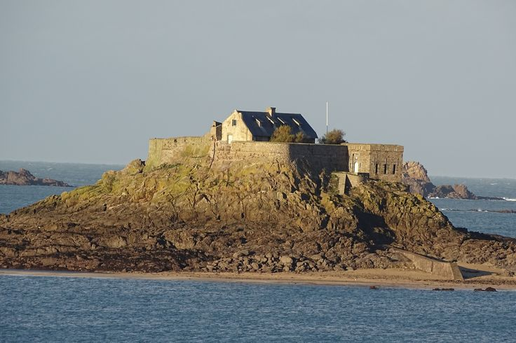 Fort Harbour, Dinard