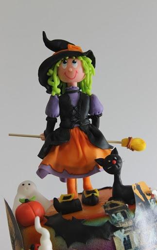 viorica's cakes: Halloween. Que preciosidad de brujita!