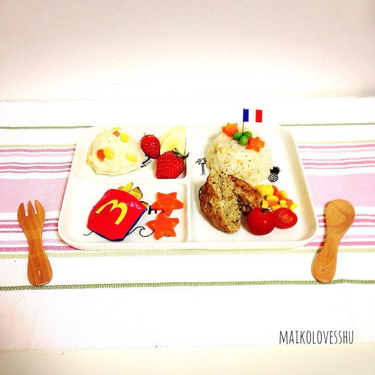 お子様ランチ風プレート。離乳食。Kids plate for my baby son. Hamberg, potato salad, cabbage and young sardine risotto, sweet potatoes which are like McDonald's and fruits & veggies.    Potato salad recipe... 1. Nuke two potatoes in microwave for 2 mins.  2. Mush the potatoes and add mayo (yogurt for babies) .  3. Boil veggies with Japanese stock soup made of fish.  4. Add the veggies into the bowl of the potatoes. Done.   お子様ランチ風♡離乳食。  ハンバーグ、ポテトサラダ、キャベツともやしとシラスのリゾット、マクド風のポテトだけど中身はさつまいも、フルーツと野菜。…
