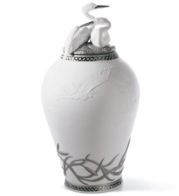 HERONS' REALM COVERED VASE (RE-DECO)