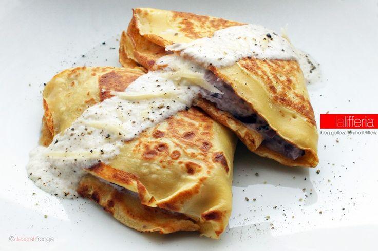 Le crepes con ricotta e radicchio sono un primo semplice da preparare, dal sapore delicato e dalla cremosa consistenza: assolutamente golose!