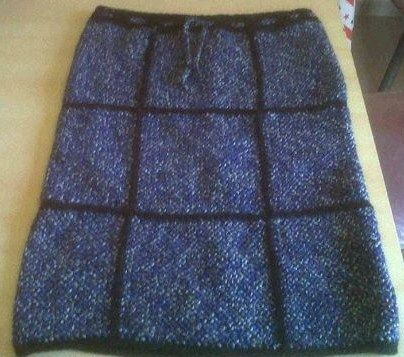 falda tejida en telar y crochet