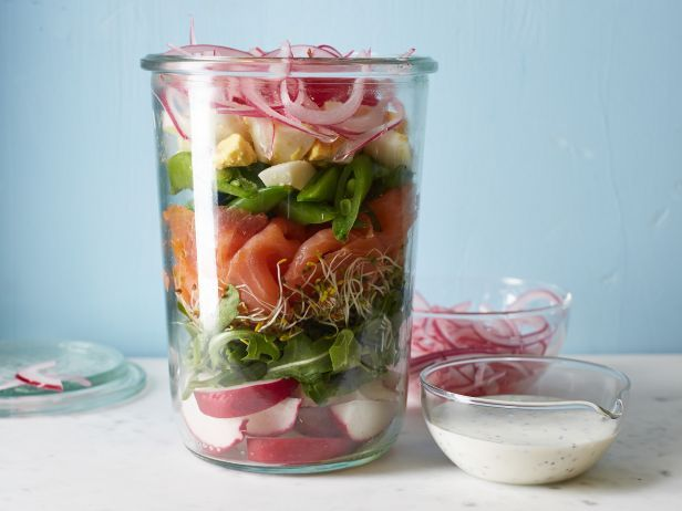 FNK_Jars-smoked-salmon-and-sugar-snap-pea-salad-in-a-jar-recipe_s4x3.jpg.rend.snigalleryslide.jpeg