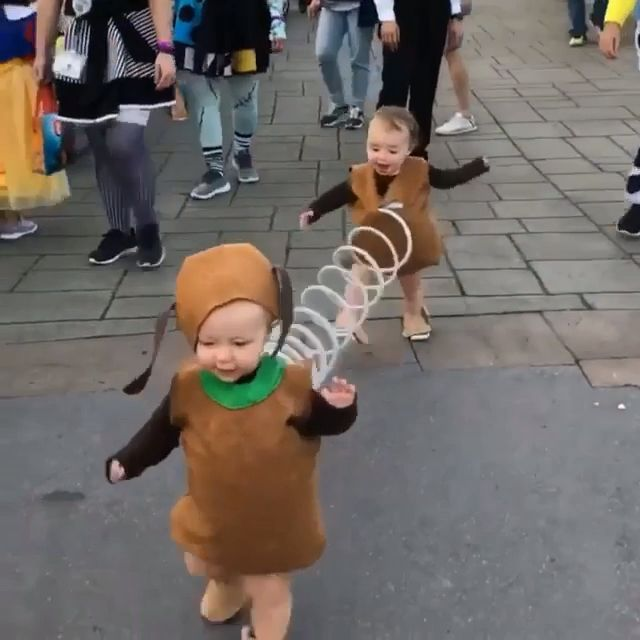 Cute Disney Kid S Costumes Funnyhalloweencostumes In 2020