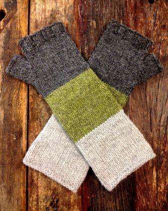 Lenticular Mitts ? Free Knitting Pattern