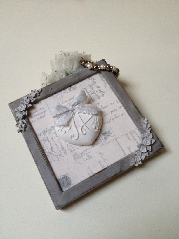 Quadretto decorativo con cuore in gesso profu di Shabby and Sewing su Blomming