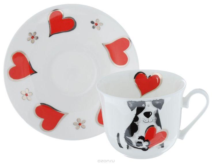 Чайная пара Roy Kirkham Любимые собаки, 2 предметаXMYLOVD1100Чайная пара Roy Kirkham Любимые собаки состоит из чашки и блюдца, изготовленных из тонкостенного костяного фарфора высшего качества, отличающегося необыкновенной прочностью и небольшим весом. Изделия оформлены изображением собак и сердец. Яркий дизайн, несомненно, придется вам по вкусу. Чайная пара Roy Kirkham Любимые собаки украсит ваш кухонный стол, а также станет замечательным подарком к любому празднику. Объем чашки: 500 мл…