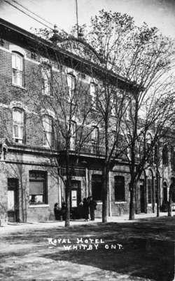 Royal Hotel, ca,1918  171 Brock St. N.