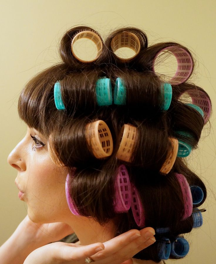 So THIS is how to use Velcro rollers properly...!