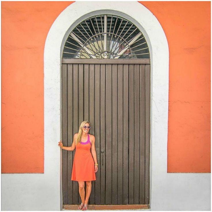 Hannah from @gettingstamped in Slinks #interchangeablesandals #slinksdesign #travelblogger