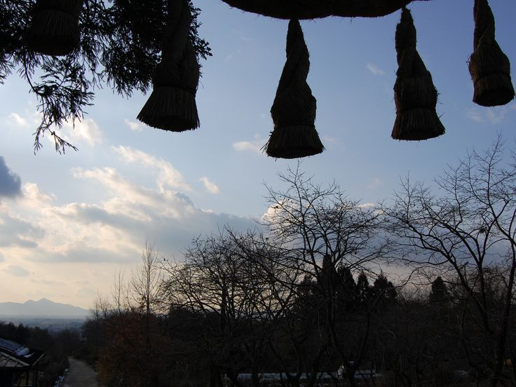 いつもとちょっと違う奈良・京都の旅に出かけてみませんか? 奈良・京都には癒やしの効果も抜群の古都ならではのハイキングコースがいっぱい。古代から続く神社、野辺の石仏、田んぼのあぜ道……。忘れかけていた、懐かしい気持ちにしてくれるはずです。