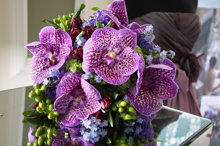 #Beautiful mix of blue vanda orchids for this bouquet