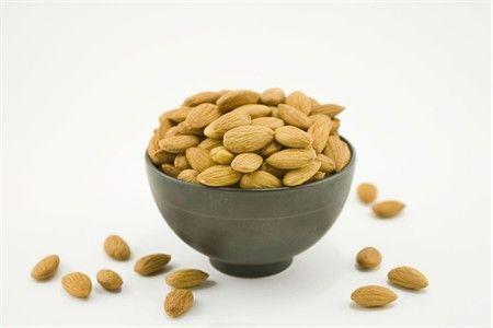 Raw 27/34 California Almonds (4 Pound Bag)