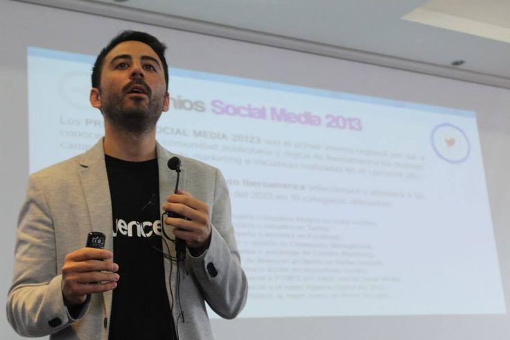 Pablo Di Meglio presentando el II Congreso Iberoamericano de Social Media www.congresosm.com