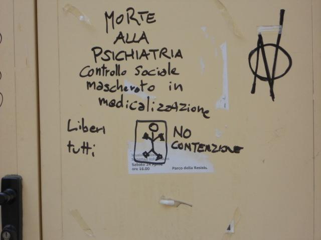 Morte alla psichiatria. Controllo sociale mascherato in medicalizzazione (provided by @karlyto23) #scrittosuimuri
