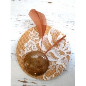 Brooch/Pin Spring-Summer Wedding Collection: in Mustard and Brown shades, Ivory Lace and Goose Feather. 15€    Colección Primavera-Verano Broches/Pinzas.