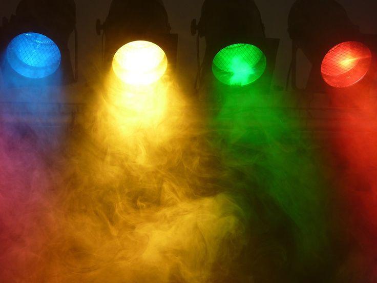 Látványos fényjáték!  http://hangero.hu/fenytechnika/
