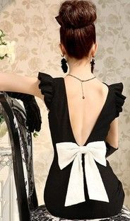 Black dress with a white bow- a modern day Breakfast at Tiffany's