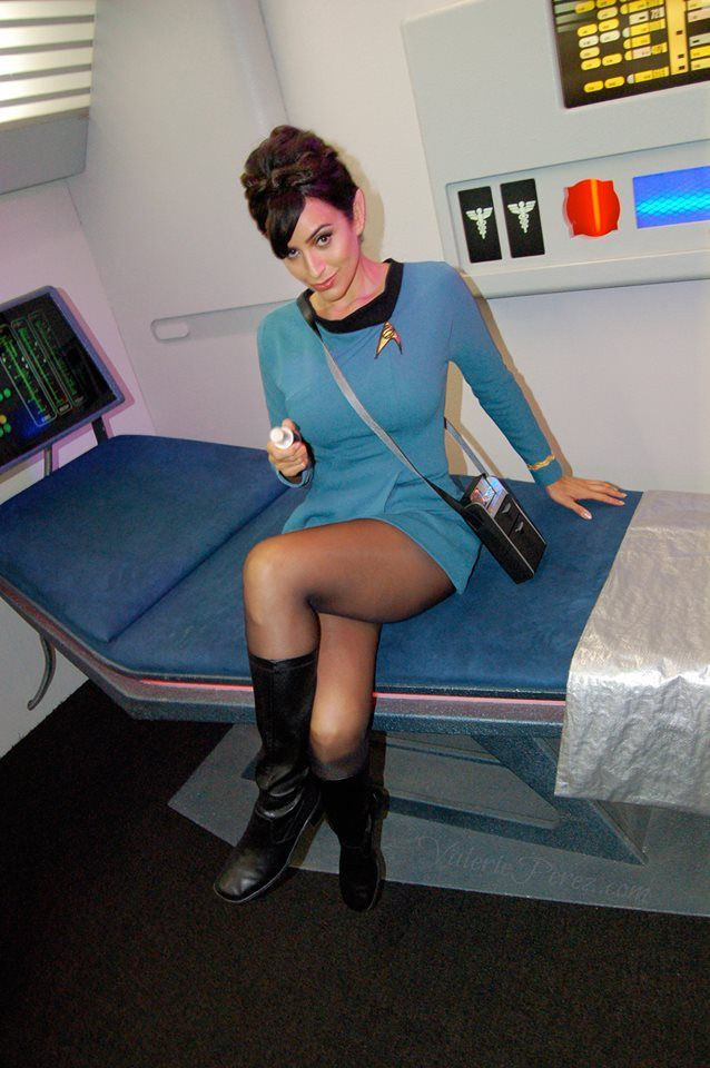 Epic medical officer cosplay from Star Trek complete with med kit! - 12 Star Trek Cosplays