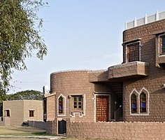 Desert Haveli, Jodhpur: Among pastoral surroundings enjoy traditional architecture, camp in the desert with safaris and adventure activities seeking to thrill, and unique gala dinners under starlit skies.