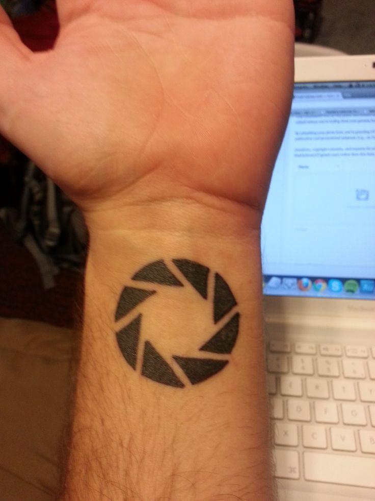 Best 25 Aperture Tattoo Ideas On Pinterest Photographer