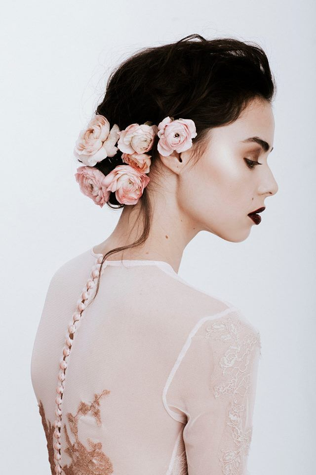 Nora Sarman Barbie dress / make up Sara Skrionya / photo Pinewood Weddings / Nora Sarman