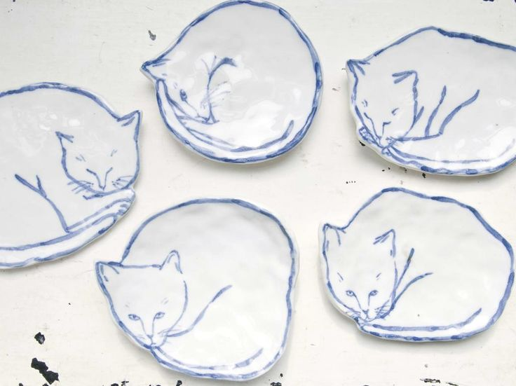 leah reena: blue cat dishes