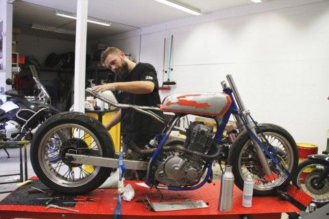 How to Turn a Suzuki Dirt Bike Into a Cafe Racer | Highsnobiety