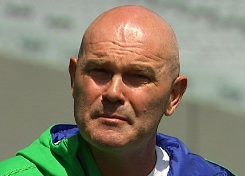 Kiwi legend Martin Crowe has said that cancer disease can't stop him to be part of New Zealand vs Australia clash in 2015 world cup at Auckland as spectator. Martin has been suffering from rare blood disease known as double-hit lymphoma for a long period of time but he is much associated with cricket and ...