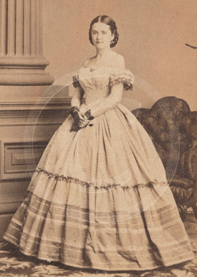 BEAUTIFUL YOUNG WOMAN IN OFF SHOULDER HOOPSKIRT w RUFFLES, SNOOD & LACE MITTS