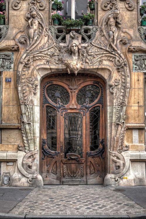 Immeuble Lavirotte, 29 Avenue Rapp, Paris, France