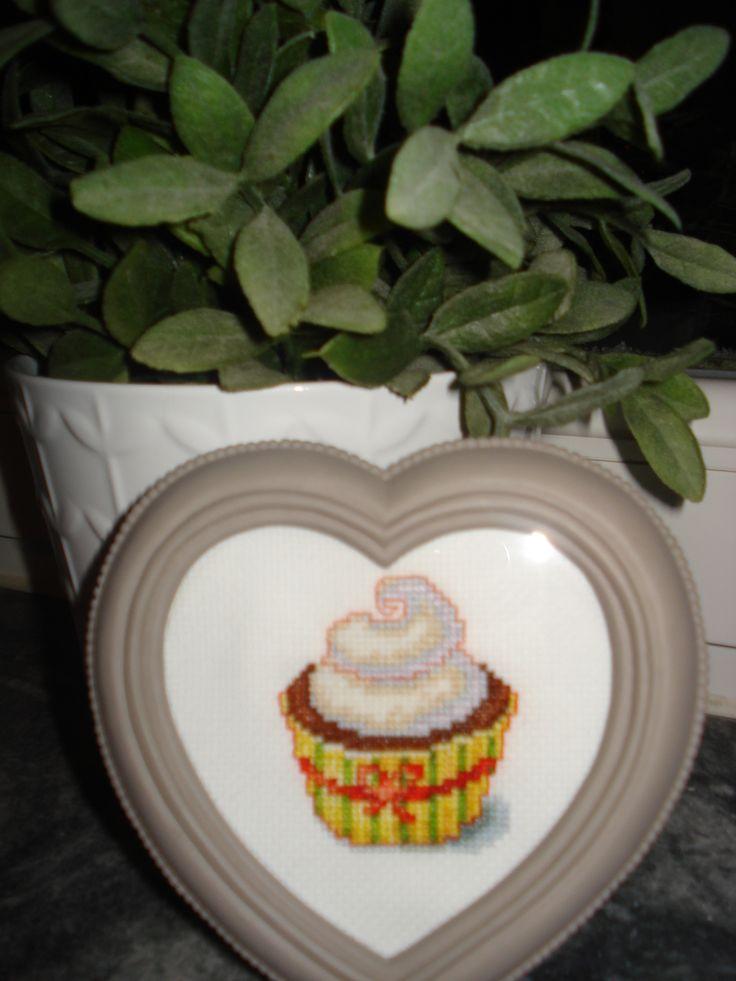 Cupcake in kruissteek