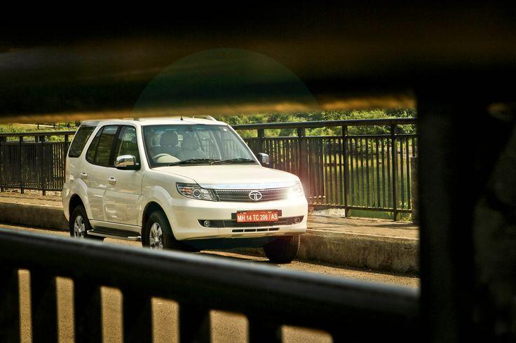 Tata Safari Storme Review | Safari Storme Review - autoX