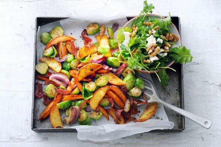 Kijk wat een lekker recept ik heb gevonden op Allerhande! Ovenschotel met appel, spruiten en salami
