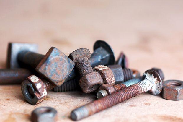 How to Remove a Stuborn Nut/bolt
