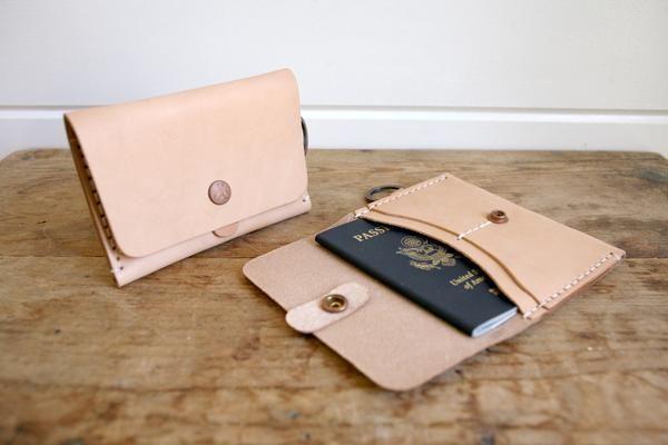 Travel Wallet (Natural)