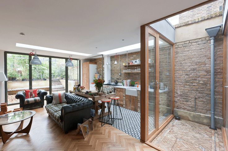Evangelist Road, Kentish Town - Martins Camisuli Architects. Glass box instead of walls.