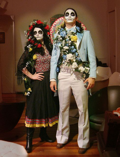 His and hers costume and dress up ideas for el Dia de los Muertos or Day of the Dead!  #calaveras #dayofthedead #diadelosmuertos