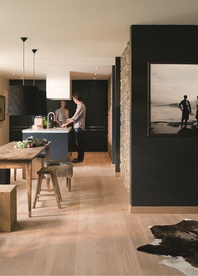 Keuken met parketvloer met brede planken palazzo van quick step parket parketvloer keuken - Badkamer met parketvloer ...