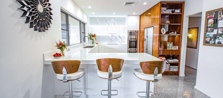 Polyurethane & Palisander Kitchen with New York Marble