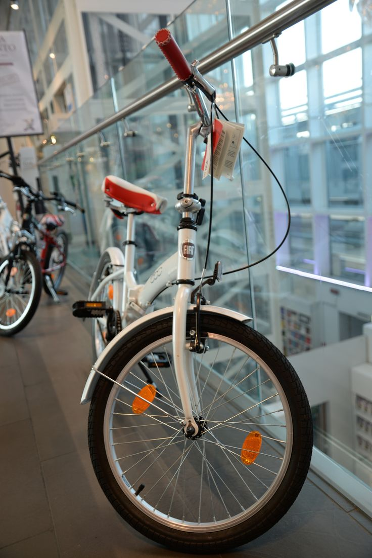 #Fiat 500 has become so popular that the car company has started producing #bicycles with the same logo.