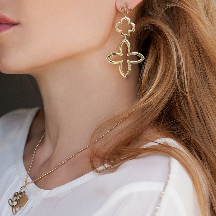 Openwork lily earrings and love necklace are talismans of love and care. #lilou #openwork #lily #cloverleaf #earrings #love #neckalce #international #womensday