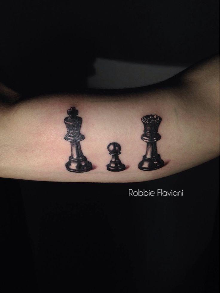 #peon #rey y #reyna #tattoo  #ajedrez #chess #barcelona #españa #catalunya #tatuaje #art #arte #ink #inked #instatattoo #tflers #bodyart  #instaart #tattedup #tatted #inkedup #bcn #realismtattoo #realism #realismo