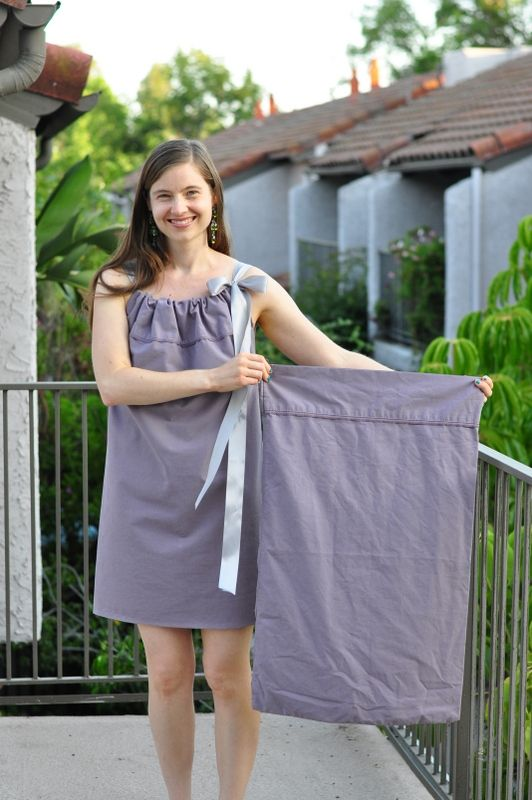 #DIYEconomy: How to convert a pillow case into a cute summer dress @Artfire #ecofashion HT @AAPremlall