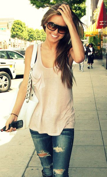 Audrina: Ripped Jeans, Casual Outfit, Casual Style, Summer Looks, Casual Summer, Summer Outfit, Audrina Patridge, Casual Looks, Cute Outfit